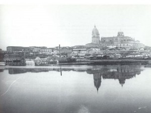 Salamanca as seen from across the Río Tormes